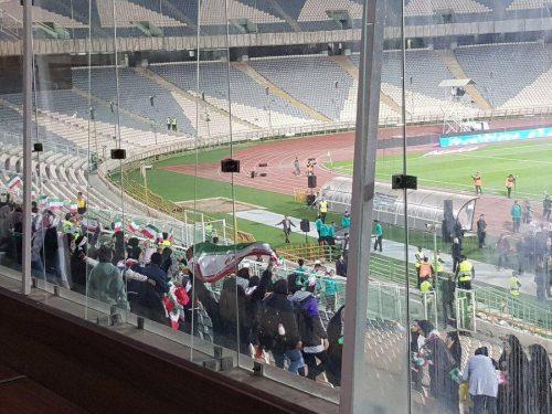 بانوان در ورزشگاه آزادی