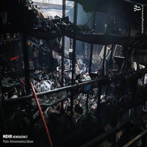 آتش سوزی انبار لوازم خودرو در خیابان امیرکبیر تهران