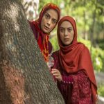 تصویری از شبگردی دو خواهر بازیگر سینما در مجارستان