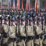 تصویری از رژه بسیار عجیب سربازان روسیه