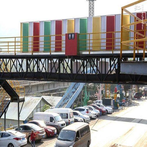 نصب اولین سرویس بهداشتی بر روی پل عابر پیاده