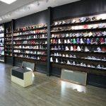صف مردم برای خرید کفش ارزان در ارومیه