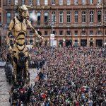 تصاویری از اجرای نمایش عروسک رباتیک غول پیکر در فرانسه