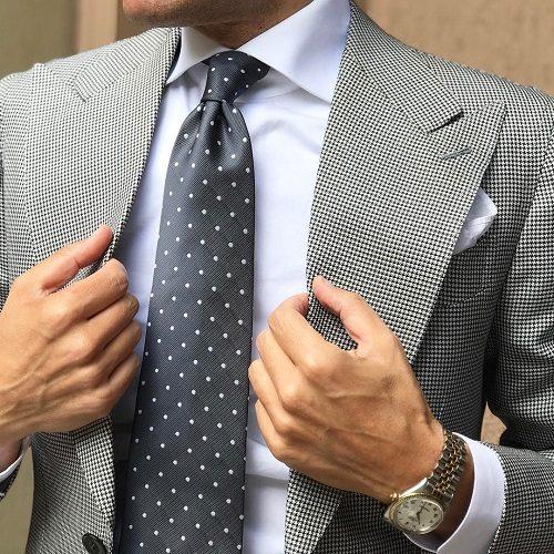 پاسخ رهبر انقلاب به سوالی درباره حکم پوشیدن کراوات