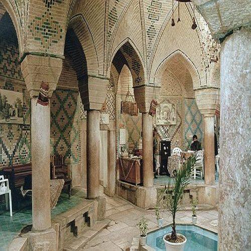 تصویر جالب و قدیمی از صف حمام نمره در تهران دهه ۵۰