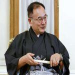 شعبده بازی سفیر جدید ژاپن قبل از سخنرانی در ایران سوژه شد!