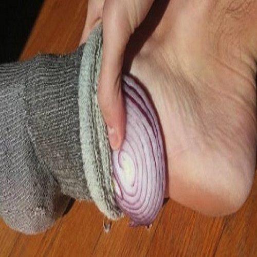 راز قرار دادن پیاز داخل جوراب توسط ژاپنیها چیست؟