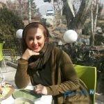 تصویری از خانم بازیگر ایرانی بالای درخت!