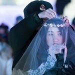 عجیب ترین مراسم عروسی سربازان چینی در یخبندان