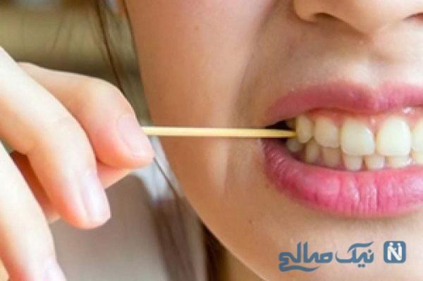 خارج کردن خلال دندان از قلب جوان مست