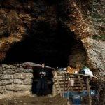 تصاویری از زندگی غارنشینی یک خانواده در خوزستان