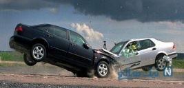 تصویری از صحنه عجیب یک تصادف وحشتناک در سعادت آباد تهران