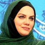 تصویری از پوشش و تیپ نرگس آبیار در حرم امام رضا (ع)