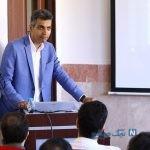 عادل فردوسی پور مجری برنامه نود در جلسه دفاع دکترا