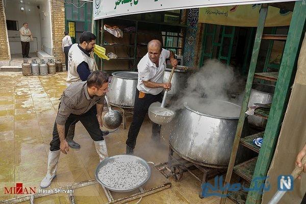 تصاویری از تهیه غذا برای هموطنان سیل زده پلدختر