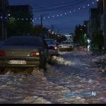 تصاویری از ورود سیلاب به خیابان های شهر زابل