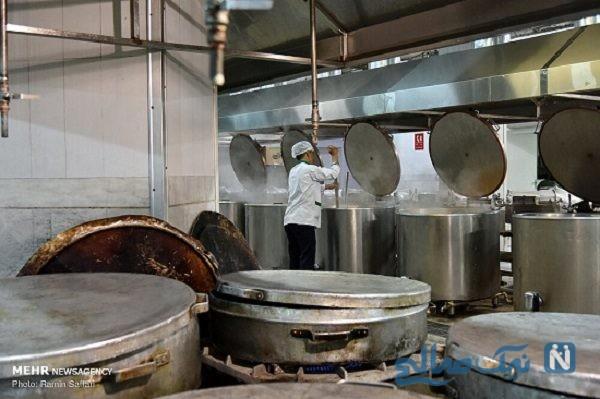 تدارک افطاری در حرم امام رضا (ع) برای زائران+تصاویر