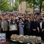 علی دایی در مراسم تشییع مادر شهید طهرانی مقدم
