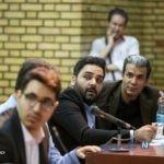 تصاویری از حاشیه های نقد برنامه عصر جدید در دانشگاه تهران
