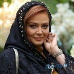 تصویر بهاره رهنما بازیگر ایرانی در کنار شاگردان محجبه اش