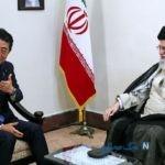 عکس تفسیرپذیر از دیدار آبه با رهبر انقلاب اسلامی