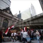 گریه هواداران محمد مرسی رئیس جمهور مصر در خیابان های نیویورک+تصاویر