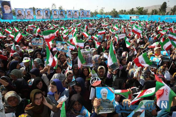 رئیس جمهور در جمع مردم