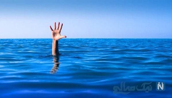 لحظه نجات یک مرد در حال غرق شدن توسط مامور پلیس