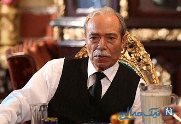 هیجان علی نصیریان بازیگر ایرانی از دیدن مجسمه خودش