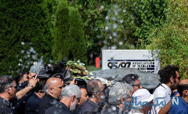 مراسم تشییع ناصر هوشمند وزیری خالق مجسمه های پارک جمشیدیه