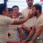 تصاویری عجیب از مسابقه سیلی زدن به یکدیگر