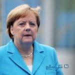 مرکل صدراعظم آلمان نشسته از مهمانان استقبال کرد!