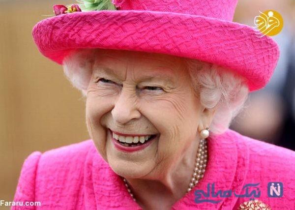 تصاویری جالب از ملکه انگلیس در حال کاشت نهال