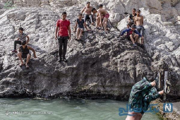 تصاویری جالب از آب تنی و آب بازی در چشمه علی شهر ری