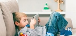 توصیه های پزشکان به والدین درباره استفاده از موبایل توسط کودکان
