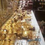 سرقت از طلافروشی و واکنش شجاعانه صاحب مغازه در مقابل سارقان