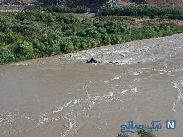 سقوط کامیون به رودخانه ارس و تلاش نیروهای امدادی برای یافتن جسد