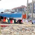 کانکس نشینی یک دانش آموز ۱۳ ساله بعد از زلزله کرمانشاه