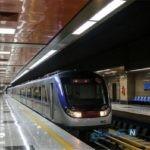 حرکت متروی تهران با درب باز صدای مسافران را درآورد!