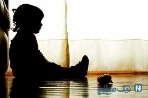 رفتار وحشیانه مربی مهد با دختر خردسال در کلاس