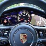 ماشین پورشه با روکش طلا در لس آنجلس با پلاک ایران