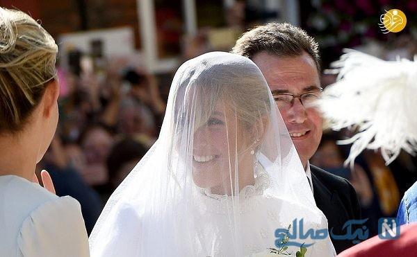 مراسم جشن عروسی یک خواننده زن در کلیسا