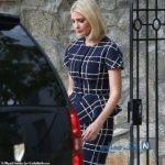 لباس ایوانکا ترامپ که ۳.۷۰۰ دلار می ارزد