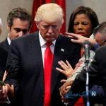 جنجال تصویر دعا برای دونالد ترامپ در کاخ سفید