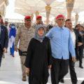 حجاب رئیس جمهور سنگاپور در مدینه و هنگام زیارت حرم پیامبر(ص)