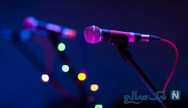 فرو ریختن سن کنسرت هنگام خواندن خواننده