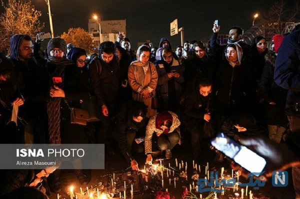 تجمع دانشجویان برای همدردی با خانواده جانباختگان هواپیمای اوکراینی