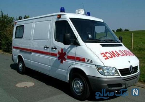 اقدام عجیب و غیر قانونی راننده آمبولانس هنگام انتقال بیمار!