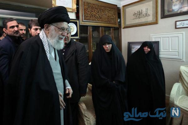 رهبر انقلاب در منزل سردار سلیمانی