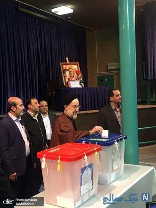 محمد خاتمی در پای صندوق های رای دوم اسفند ماه 98